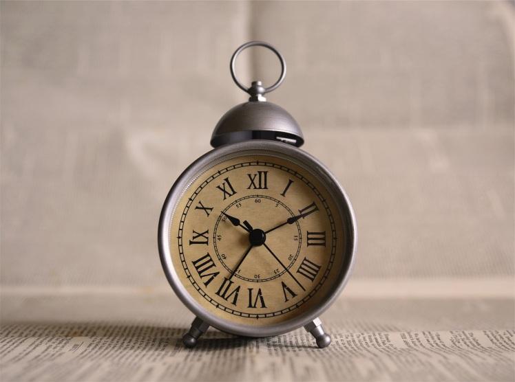 Vintage Alarm Clock_Ales Krivec_Stocksnap