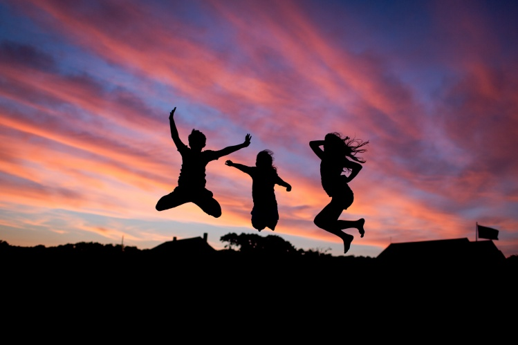 Kids Jumping_Danielle MacInnes_Stocksnap