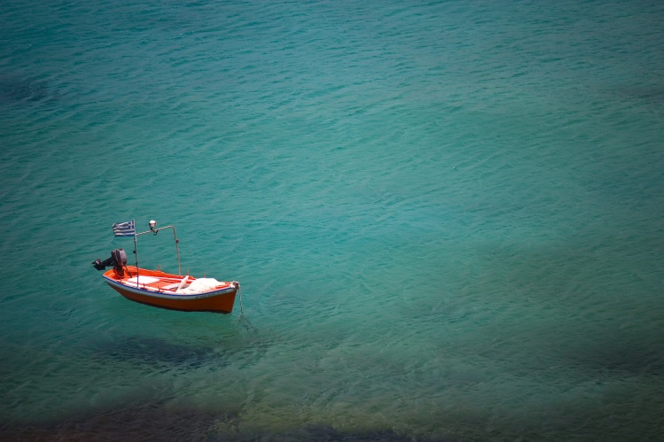 Rowboat on water_Anton Sulsky_Stocksnap