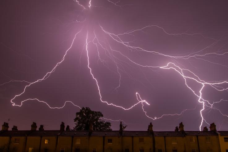 Lightning strike_Torsten Dettlaff_Stocksnap