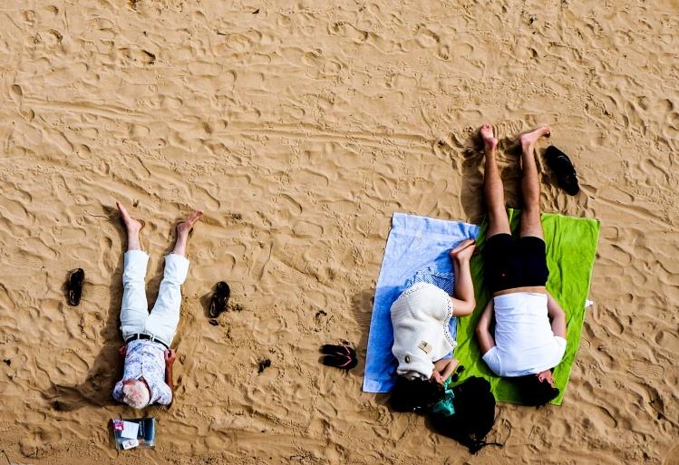 Friends on Beach_Lili Popper_Stocksnap.jpg