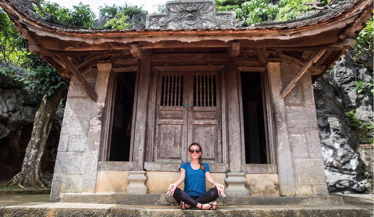 SRD Vietnam_Temple Meditation